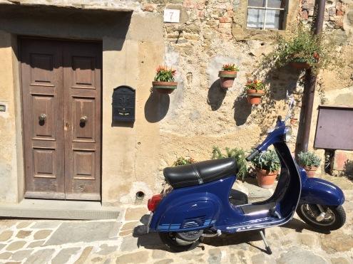 Blue Bike, Cortona