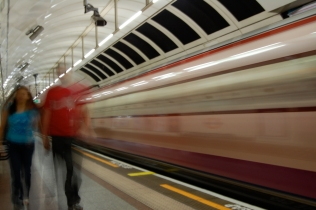 Angel Tube station moving train