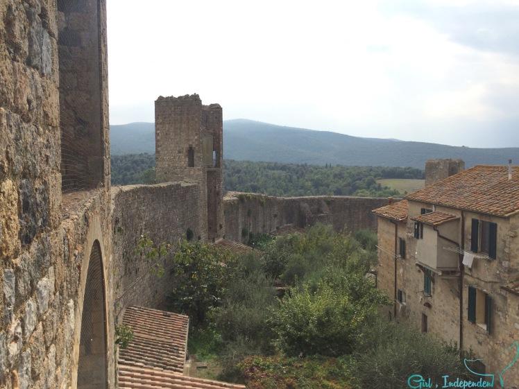 Walls around Monteriggioni